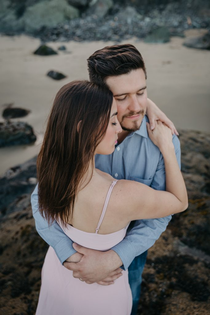 engagement couples session san francisco california marshall beach sesion de pareja