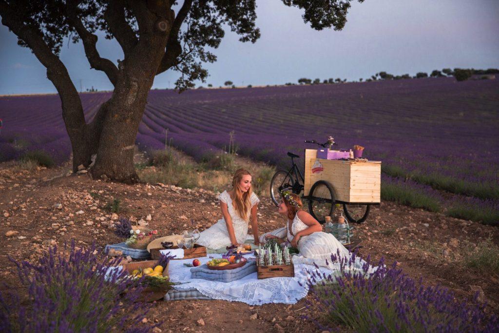 boda madrid guadalaja LGTB spain destination wedding photographer photography España fotografo bodas Campos Lavanda Briguega La Alcarria Lavender memories styled shoot